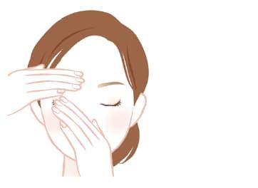 片方の手で上まぶたを引き上げながら、 もう片方の手で5 ~ 10秒程度やさしくおさえます